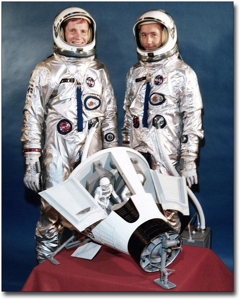 NASA GEMINI 4 ASTRONAUTS MCDIVITT AND WHITE 11x14 SILVER