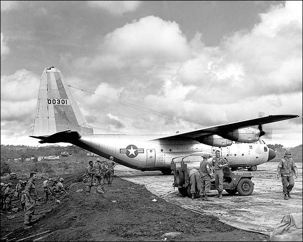 Lockheed C-130 Hercules Photo Print for Sale