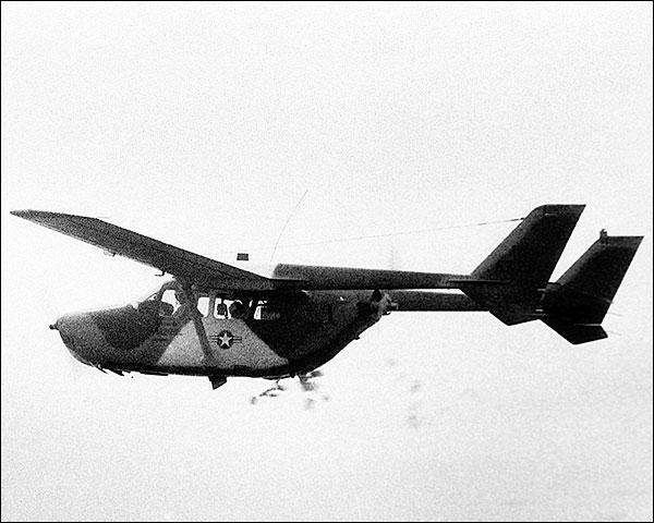 Cessna O-2 Super Skymaster in Flight Photo Print for Sale