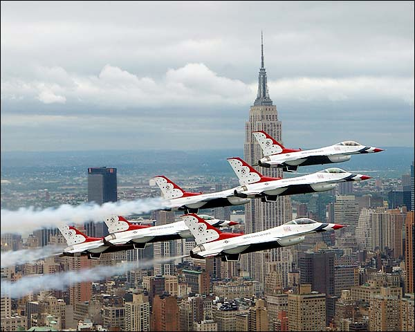 F-16 Falcon Aircraft & Thunderbirds NYC Photo Print for Sale