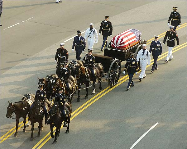 Ronald Reagan Funeral Horse Drawn Caisson Photo Print for Sale