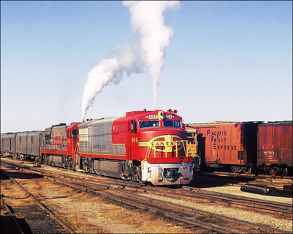 Santa Fe Railroad U-30CG/U-28CG Train Photo Print for Sale