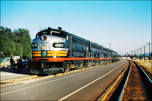 Southern Pacific F-7ABBA 'Owl' Train Photo Print for Sale