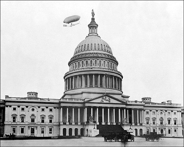 White Dwarf Airship, Washington DC Capitol Photo Print for Sale