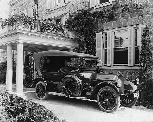 Pierce Arrow American Antique Car 1919 Photo Print for Sale