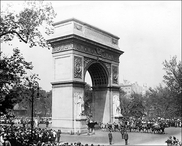 Washington Square Park Arch, New York City Photo Print for Sale