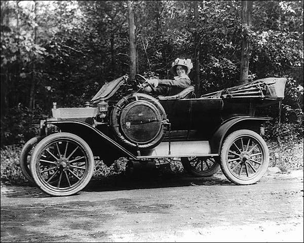 Woman with Hat & Antique Automobile 1917 Photo Print for Sale