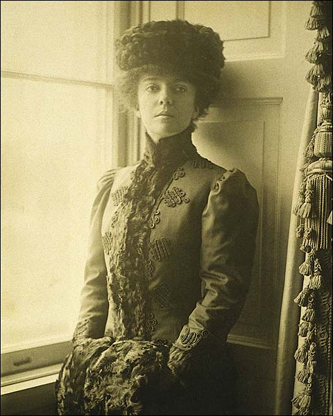 Alice Roosevelt Longworth Portrait Photo Print for Sale