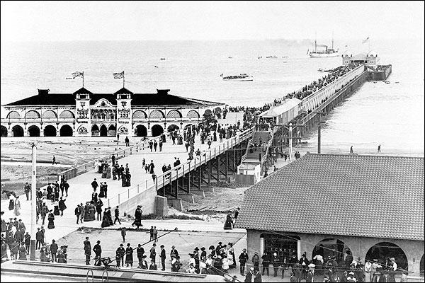 Long Beach Pier & Crowd, California 1905 Photo Print for Sale