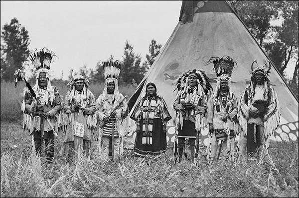 Siksika (Blackfeet) Indians & Tipi 1913 Photo Print for Sale