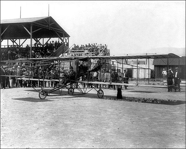 Glenn Hammond Curtiss Farnum Biplane 1911 Photo Print for Sale