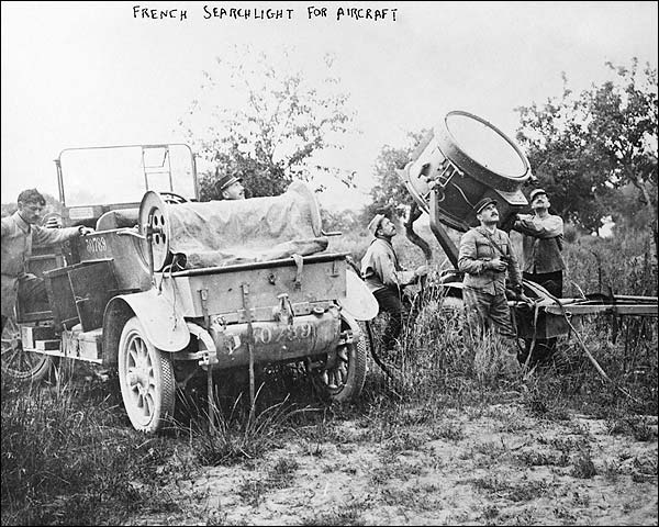 French Soldiers w/ Searchlight WWI Photo Print for Sale