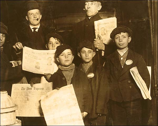 Italian Newsies New York 1910 Lewis Hine Photo Print for Sale