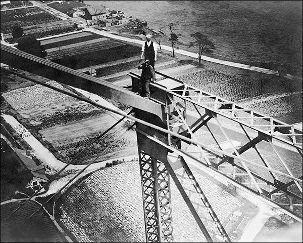 1907 Men Constructing Queensboro Bridge NYC Photo Print for Sale
