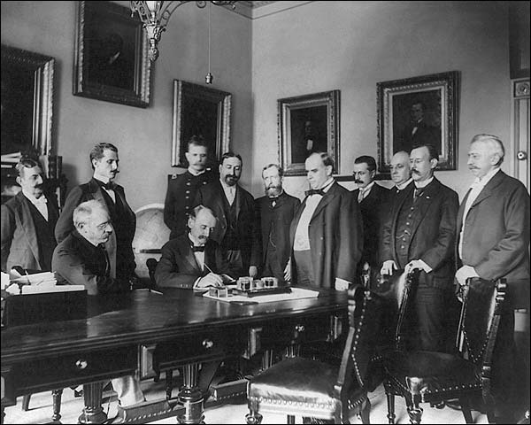 Pres. William McKinley Peace Treaty 1898 Photo Print for Sale