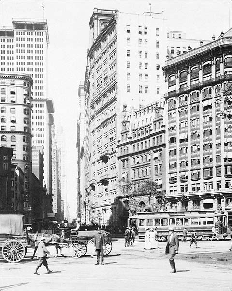 Lower Broadway in New York City, 1915 Photo Print for Sale