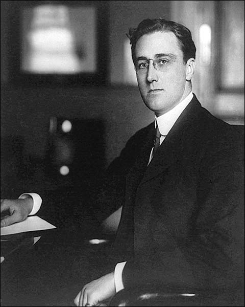 Young Franklin Roosevelt Portrait FDR 1913 Photo Print for Sale