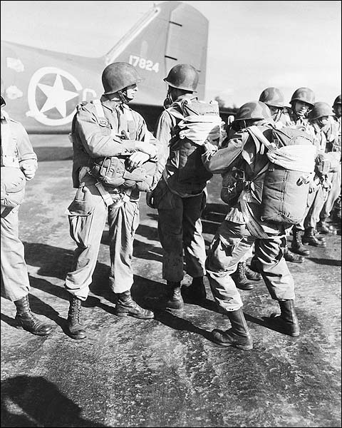 WWII U.S. Paratroopers Prepare Parachutes Photo Print for Sale