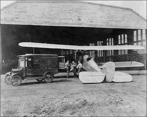 De Havilland DH-4 Mail Airplane Photo Print for Sale