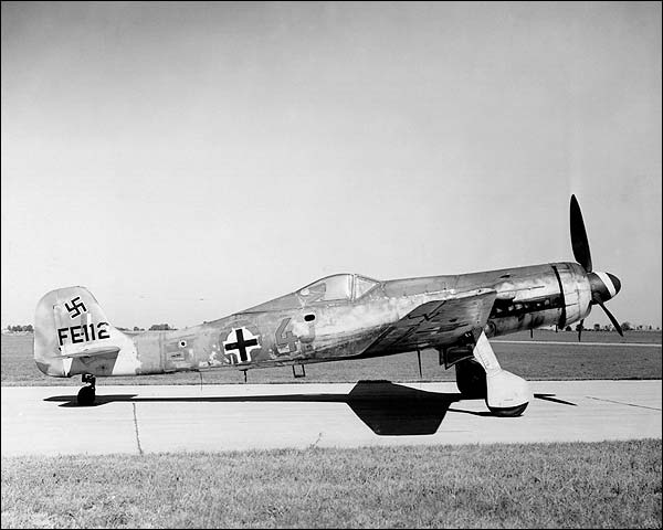 Focke-Wulf Ta 152H German WWII Aircraft Photo Print for Sale