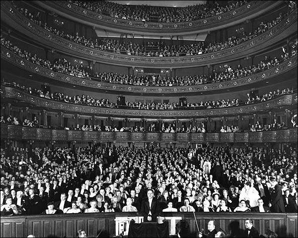 Metropolitan Opera House, New York 1930s Photo Print for Sale