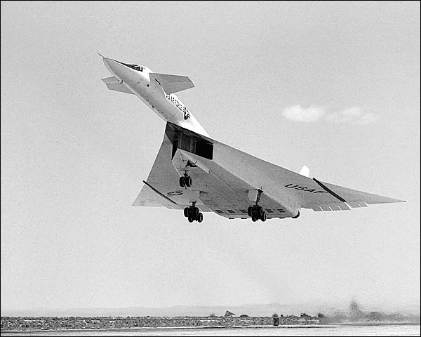 XB-70A During Take-Off Air Force XB-70 Photo Print for Sale
