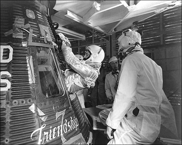 Mercury Atlas 6 John Glenn Enters Friendship 7 Spacecraft Photo Print for Sale