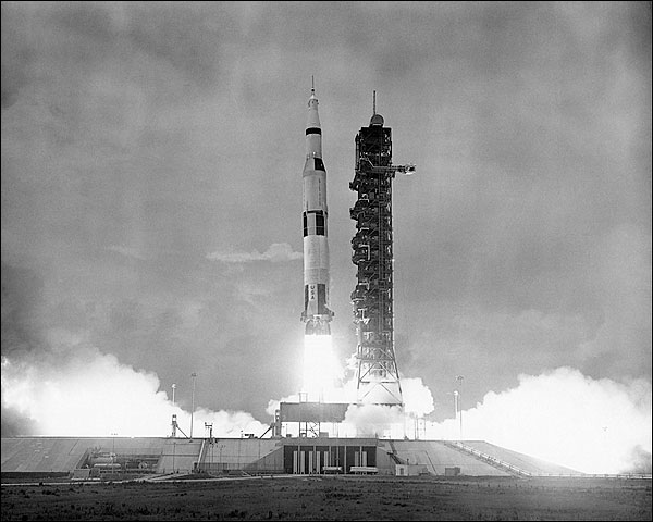 Apollo 10 Saturn V Roc...