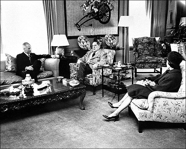 John Glenn and Wife Visit General MacArthur Photo Print for Sale