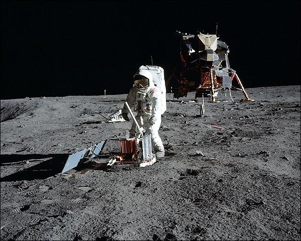 Apollo 11 Buzz Aldrin Seismic Experiment Photo Print for Sale