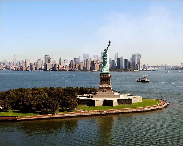 9/11 Ground Zero Statue of Liberty New York Photo Print for Sale