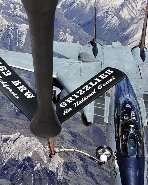 F-14 Tomcat of VF-32 'Swordsmen' Refueling Photo Print for Sale