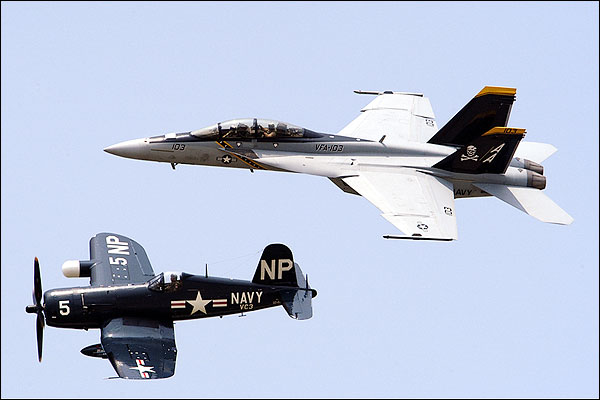 FG-1D Corsair & F/A-18F Super Hornet Photo Print for Sale