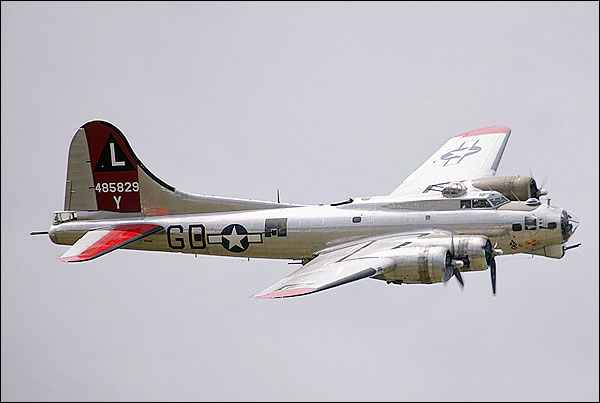B-17 Flying Fortress Bomber 'Yankee Lady' Photo Print for Sale