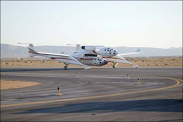 SpaceShipOne & White Knight Taxi on Tarmac Photo Print for Sale