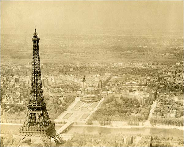 Eiffel Tower and Trocadéro in Paris 1915 Photo Print for Sale